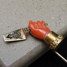 Masonic Stick Pin Vintage Coral Hand & Enamel Trowel 14k Gold