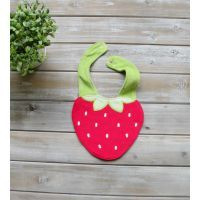 Adorable Strawberry Bib #mamadoo #feeding #baby #bibs