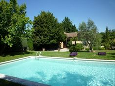 near avignon, with pool. 1200 euro