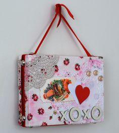 Valentine collage canvas - easy craft, adaptable to any holiday - #ScrapCrafts #Holidays #Crafts #HolidayCrafts - pb†å