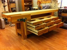 Workbench - Monster, bombproof, not so (well kind of) - Reader's Gallery - Fine Woodworking