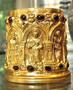 El ataúd Bimaran, en representación del Buda, se fecha a alrededor de 30 a 10 antes de Cristo. Museo Británico.