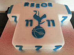 Tottenham tshirt cake