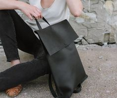Support American manufacturing—leather bags and accessories hand crafted in the U.S.