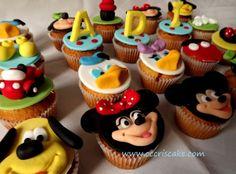 Torturi artistice: Mickey Mouse Club cupcakes