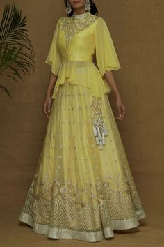 designer lakhnavi yellow lehenga choli for bridal. For order whatsapp us on to wear to a wedding muslim simple designer lakhnavi yellow lehenga choli for bridal Lehenga Choli Designs, Sharara Designs, Kurti Designs Party Wear, Girls Designer Dresses, Designer Party Wear Dresses, Indian Designer Outfits, Designer Gowns, Stylish Blouse Design, Fancy Blouse Designs