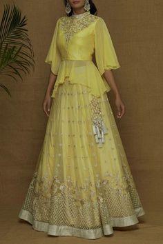 designer lakhnavi yellow lehenga choli for bridal. For order whatsapp us on to wear to a wedding muslim simple designer lakhnavi yellow lehenga choli for bridal Party Wear Indian Dresses, Indian Gowns Dresses, Indian Bridal Outfits, Indian Fashion Dresses, Dress Indian Style, Fancy Blouse Designs, Stylish Dress Designs, Designs For Dresses, Stylish Dresses