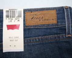 NWT-Levis-San-Francisco-Womens-Jeans-Size-16M-33-Bold-Curve-Classic-Boot-Cut 70.40