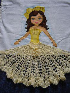 puxa saco de croche com grafico - Pesquisa Google Christmas Napkins, Beautiful Crochet, Diy Crochet, Decor Crafts, Doilies, Quilt Patterns, Aurora Sleeping Beauty, Quilts, Embroidery