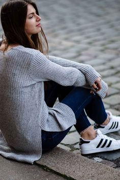 precio de zapatos adidas blanco con dorado jeans