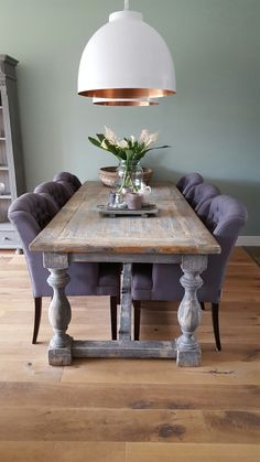 lampen bit of copper Dinning Room Tables, Table And Chairs, Furniture Styles, Home Furniture, Dorm Room Doors, Shaker Style Kitchens, Kitchen Cabinet Styles, Home Office Chairs, Cool House Designs