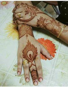 Khafif Mehndi Design, Floral Henna Designs, Latest Henna Designs, Back Hand Mehndi Designs, Mehndi Designs Book, Modern Mehndi Designs, Mehndi Designs For Girls, Mehndi Designs For Beginners, Mehndi Design Photos