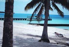 Cuba  HAVANA + MARE  Avana: Avana con i suoi 2.500.000 abitanti si estende sulla costa settentrionale di Cuba, di fronte alla Florida.