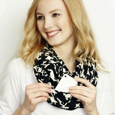 Houndstooth Infinity Scarf with Hidden Pocket – Standout Style Boutique