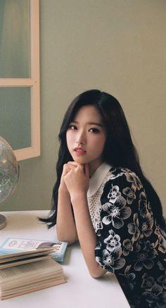 "Son Hyejoo (Olivia Hye) LΟΟΠΔ Pre-Debut Solo Teaser - ""I an thou, thou art me"" Kpop Girl Groups, Korean Girl Groups, Kpop Girls, Boy Groups, Eye Circles, Olivia Hye, These Girls, New Girl, South Korean Girls"