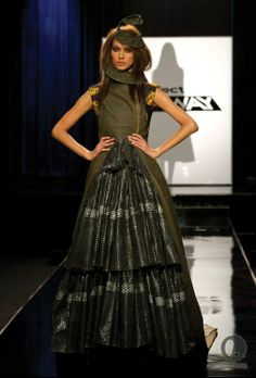 No Idea where I could ever wear a dress like this, but I LOVE it!! Project Runway season11- Michelle