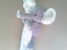 ******This item is MADE TO ORDER.********* Elephant curtain tie back ♥ ( 1 Pc elephant) Soooo cute for your home! This Elephant will cheer up any child room! Size approx: Arms length 20 cm (8 inches) Sitting position 15 cm (6 inches) Gray Elephant/ White Ears Option: ADD a ring to your tieback: https://www.etsy.com/listing/242642112/add-a-ring ******************** If you need this elephant in different colors this is the link: https://www.etsy.com/listing/241069266/elephant International...