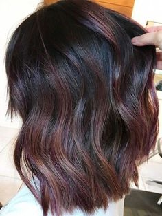 How to Try the Violet-Copper Hair Trend Without Bleaching Your Whole Head So pr. - How to Try the Violet-Copper Hair Trend Without Bleaching Your Whole Head So probieren Sie den vio - Auburn Hair Balayage, Hair Color Balayage, Copper Balayage Brunette, Dark Red Balayage, Balayage Hair Brunette Straight, Dark Ombre, Straight Black Hair, Thin Hair, Brown Hair Colors