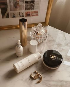 glowing makeup look Chanel Beauty, Chanel Makeup, Beauty Makeup, Contour Makeup, Sephora Makeup, Makeup Cosmetics, Marie Claire, Natural Gel Nails, Makeup For Older Women