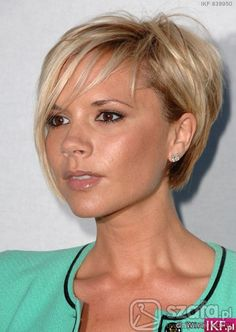 This looks like a really good item-victoria beckham short hair victoria beckham hair bob. Short Blonde Haircuts, Cute Hairstyles For Short Hair, Short Hair Cuts For Women, Hairstyles Haircuts, Celebrity Hairstyles, Hairstyles Pictures, Blonde Hairstyles, Short Cuts, Natural Hairstyles