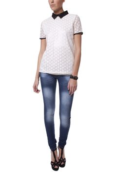 DETAIL COLLAR LACE TOP