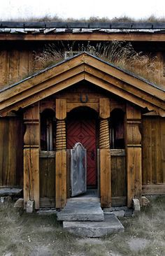 Norwegian Door - Anette Nordstrom (via Interiørmagasinet) Notice the grass growing on the roof?