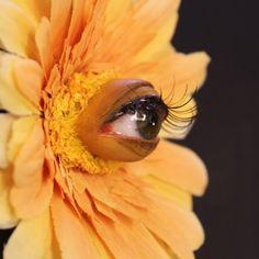 EatonNott Eye-ball Flower Brooch