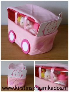 Bus van luiers roze