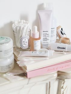 Unsurprisingly, my trip to New York earlier this month led me straight to the Glossier Showroom. My main priorities on the trip were: 1. get married 2. buy as much Glossier as I possibly can. I achieved both, you'll be pleased to know. The showroom is different than I expected, set in an office space with an elevator that opens right on to the showroom. Inside, only testers are out on display and the assistants help you to fill out little checklists to choose your products. This way you can…