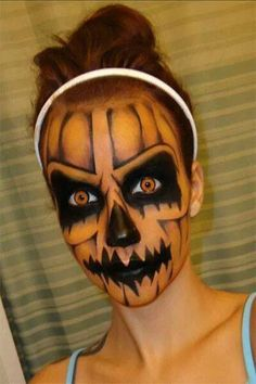 25 Makeup and Nail Looks for Halloween {The Weekly Round UP} – This Silly Girl's Life Loading. 25 Makeup and Nail Looks for Halloween {The Weekly Round UP} – This Silly Girl's Life Cool Halloween Makeup, Scary Makeup, Halloween Makeup Looks, Creepy Halloween, Holidays Halloween, Halloween Pumpkins, Horror Makeup, Halloween Horror, Halloween 2018
