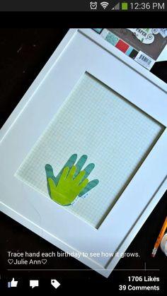 Capture kid hand print art every year