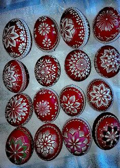 Cool Art Projects, Projects To Try, Origami, Insect Crafts, Heart Diy, Faberge Eggs, Egg Art, Polish Recipes, Egg Decorating