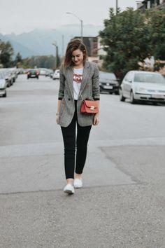 8 Girls - 8 Views – Thema: Trend Report und ich kombiniere meine Jegging, Karo Blazer, Levis T-Shirt & Sneaker