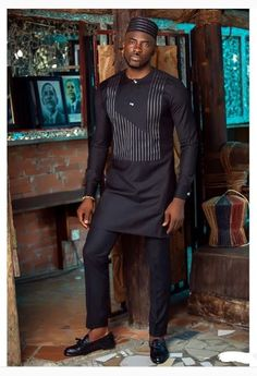 The Latest Best Kaftan Outfit Styles To Select For Your Man In This Month Of September. African Dresses Men, African Attire For Men, African Clothing For Men, African Shirts, African Wear, African Style, African Blouses, Nigerian Men Fashion, African Men Fashion