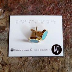Zarcillos - Pegaditos meds 9mm - Pintados verde menta y resina - Baño de oro  #verde #green #vert  #menta #mint #menthe #verdementa #mintgreen #vertmenthe #pintadoamano #resina #resin #resine #minimalista #minimalist #minimaliste #minimalistjewelry #loveit #enjoy