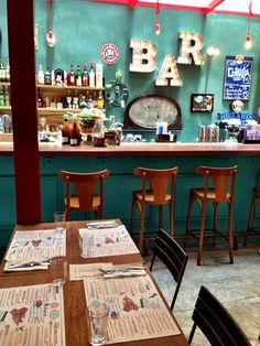 Vale conhecer o despojado e com bons preços - bar e restaurante Lambe Lambe no bairro de Higienópolis em São Paulo. Leia sobre minha visita.