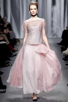 Chanel Spring 2011 Couture collection, runway looks, beauty, models, and reviews.