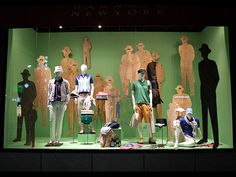 BARNEYS NY - Vidrieras de Tokyo I LOVE this. ..plywood cutouts and silhouettes create a series of planes for visual interest.