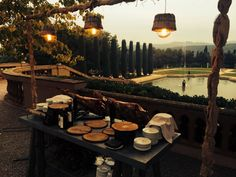 Algunos buffetes que servimos en una boda en el Castell de Sant Marçal  #catering #cateringbarcelona #cateringbodas #cateringeventos #bodas #cateringempresas #empresasdecatering #cateringbcn #espaciosparabodas