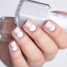 half baroque nails @essiepolish @essie_nl blanc & perennial chic @moyou_london fashionista 08 Inspired by @jini_naildesigner by beautyaddictedd