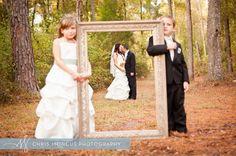 photo frame idea for wedding pics...