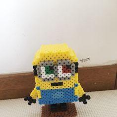 ふじた・だのいち・チャッキーのアイロンビーズ工房の画像 3d Perler Bead, Minions, Crochet Hats, Fictional Characters, Hama Beads Patterns, Crocheted Hats, Fantasy Characters, Minion Stuff, Minion