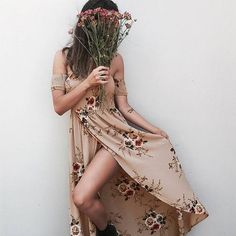 Off the Shoulder Boho Maxi Floral Print Chiffon Dress. Trendy Off the Shoulder Neckline with Gathered Stretch Top and Arms. Floral Print and Maxi Style is Roman Vestido Strapless, Vestido Maxi Floral, Dress Vestidos, Floral Print Maxi Dress, Boho Dress, Print Chiffon, Bohemian Dresses, Floral Chiffon, Floral Sundress
