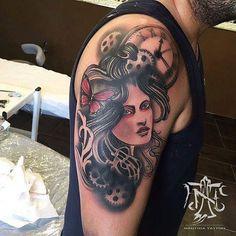 Tatuagem realizada pelo grande artista @adaorosatattoo que está atendendo em nossa unidade de #Roma na Itália @nauticatattooroma  Agende já seu horário com esse monstro  . Contatos: telefone: (11) 45080688 whatsapp: (11) 942405032 email: nauticatattoosp@hotmail.com
