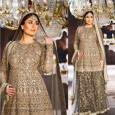 Kareena Kapoor Khan ramp walked in Sabyasachi designed gorgeous lehngha Saree Jewellery, Kareena Kapoor Khan, Sabyasachi, Lehenga, Lakme Fashion Week, Bollywood Saree, Banarasi Sarees, Indian Dresses, Indian Fashion