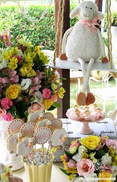 Baby Shower Elegante, Elegant Baby Shower, Baby Shower Cakes, Baby Shower Themes, Baby Boy Shower, Eid Crafts, Fall Crafts, Showers Of Blessing, White Baby Showers