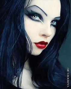 The dark eyeshadow is a important part of gothic makeup as well as the lips. As… The dark eyeshadow is a important part of gothic makeup as well as the lips. Dark Beauty, Goth Beauty, Gothic Makeup, Fantasy Makeup, Skull Makeup, Evil Queen Makeup, Lolita Makeup, Punk Makeup, Clown Makeup