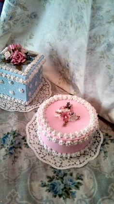 Hey, I found this really awesome Etsy listing at https://www.etsy.com/listing/232837838/fake-cake-roses-pink-victorian-shabby
