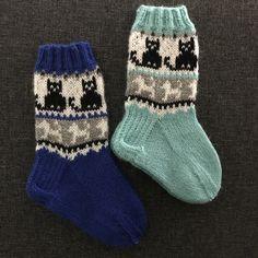 Crochet Socks, Knitting Socks, Knitting For Kids, Baby Knitting Patterns, Recycled Cds, Kids Patterns, Kids Socks, Cool Socks, Kids And Parenting