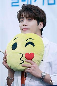 SHINee Jonghyun. Missing you